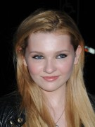 Эбигейл Бреслин, фото 1. Actress Abigail Breslin attends the Vanity Fair party during the 10th annual Tribeca Film Festival at State Supreme Courthouse on April 27, 2011 in New York City., photo 1