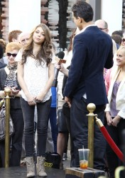 Сара Хайланд, фото 597. Sarah Hyland Extra at The Grove in LA - 02.02.2012, foto 597