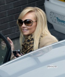 Эмма Бантон, фото 2275. Jan. 23th - London - Emma Bunton Leaving ITV Studios, foto 2275