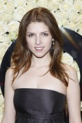 Анна Кендрик, фото 1135. Anna Kendrick QVC's 'Buzz On The Red Carpet' Cocktail Party in Beverly Hills - 23.02.2012, foto 1135