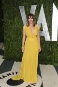 Рашида Джонс, фото 471. Rashida Jones 2012 Vanity Fair Oscar Party - February 26, 2012, foto 471