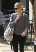 Шарлиз Терон, фото 6144. Charlize Theron and her friend leaving a gym after a work out in Hollywood,Feb26, foto 6144