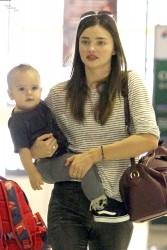 Миранда Керр, фото 3720. Miranda Kerr Sydney Airport arrival, february 28 / tagged, foto 3720,