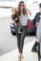 Миранда Керр, фото 3734. Miranda Kerr Sydney Airport arrival, february 28 / tagged, foto 3734,