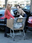 Линдси Лохан, фото 23122. Lindsay Lohan - out and about in Beverly Hills 03/08/12, foto 23122