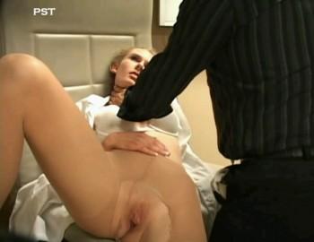 Psycho-Thrillers - Prisoner Strangles Nurse