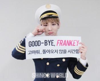 [Trad/Pics] Atualização no site do SHINee - Key no musical Catch Me If You Can Ea52b2195013238