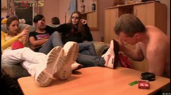 Dangerous Girls - Sneakers Worship